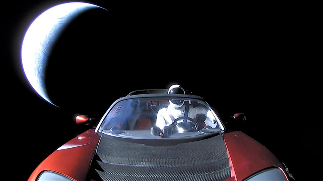 Elon_Musk's_Tesla_Roadster_(40110304192)